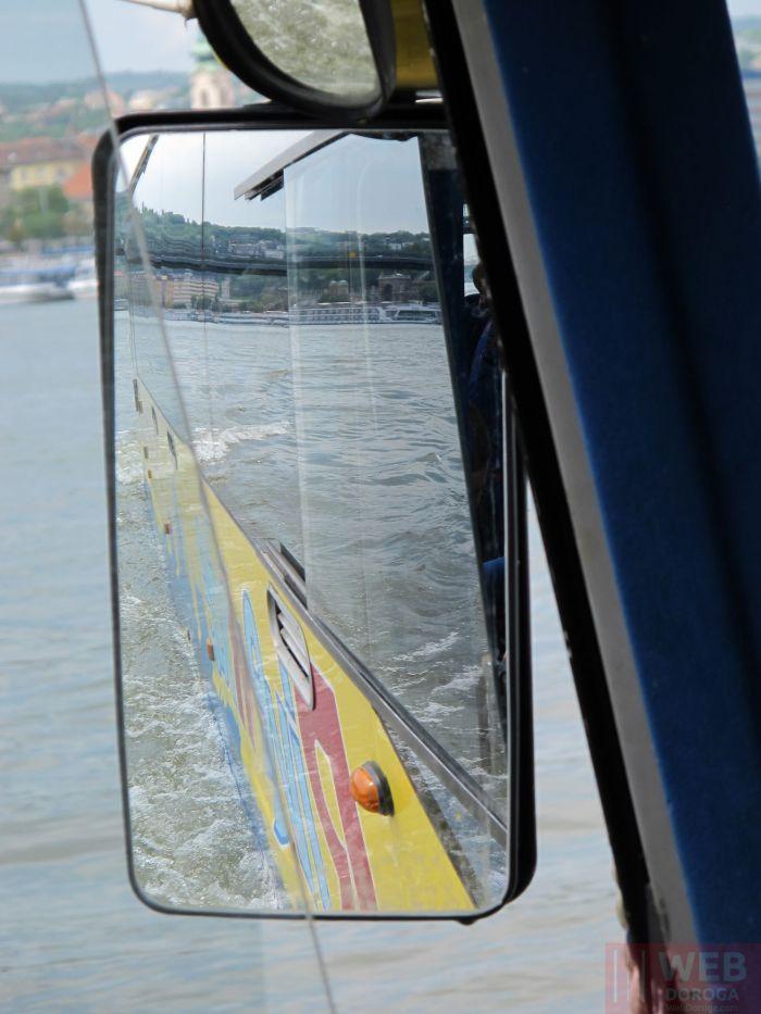 Плывем с катерами на автобусе по Дунаю в Будапеште