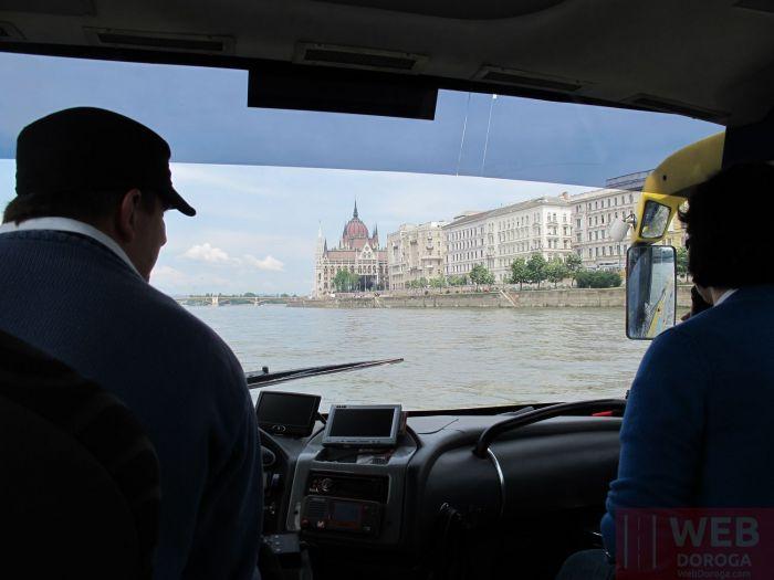 Кабина водителя в автобусе