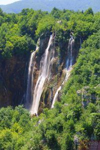 Каскадные водопады Плитвицкие озера