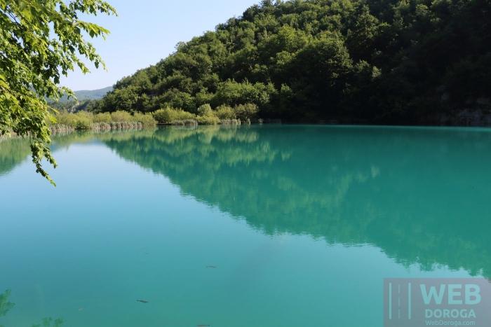 Необычный цвет воды в Плитвицких озерах
