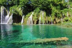 Плитвицкие озера - вид на водопады