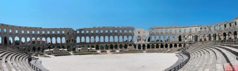 Панорама Колизея - Амфитеатра Пула в Хорватии
