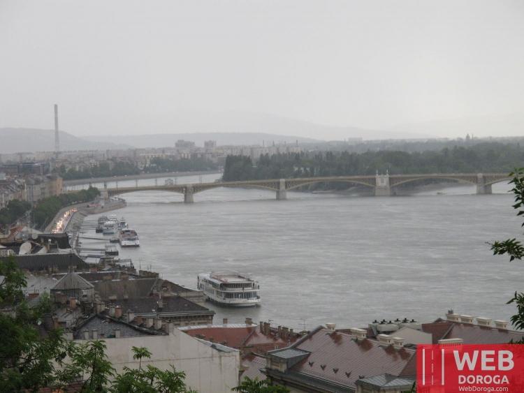 Вид на Дунай с Замковой горы в Будапеште