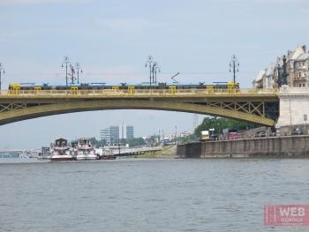 Электротранспорт Будапешта - трамвай на мосту