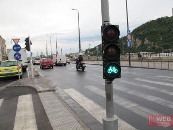 Специальный светофор для велосипедистов в Будапеште