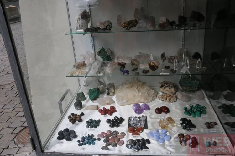 Альпийские камни в бутиках Берна