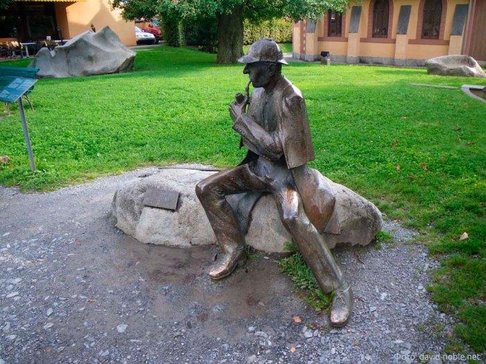 Памятник Шерлоку Холмсу в Майринген