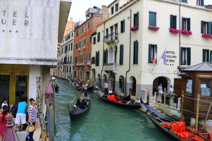 Гондольер в Венеции - классическая одежда