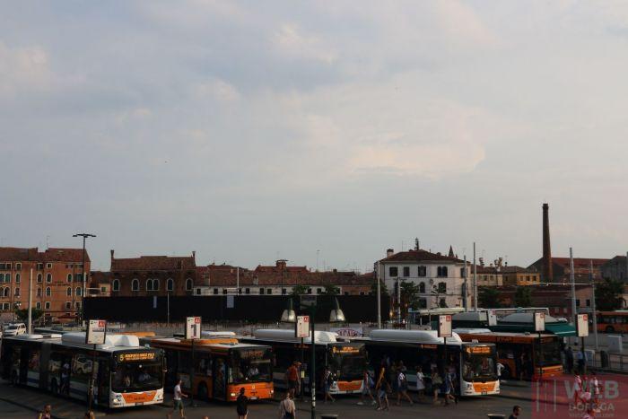 конечная остановка автобусов в Венецию - площадь - Piazzale Roma
