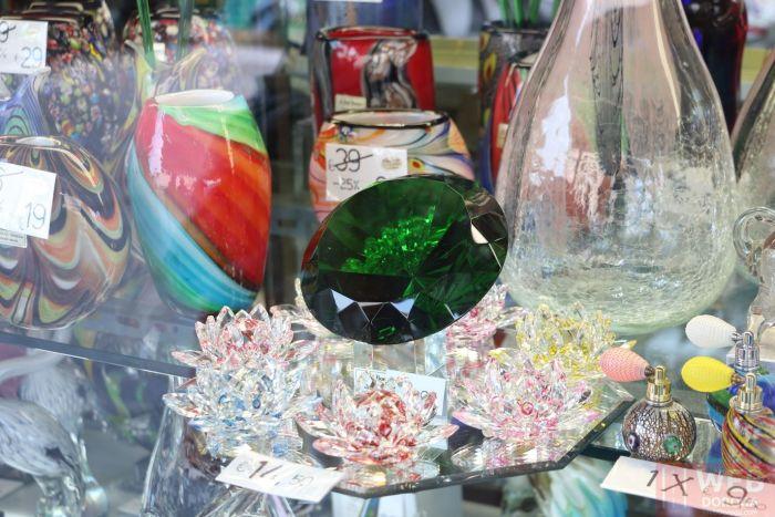 Венецианское стекло на витрине